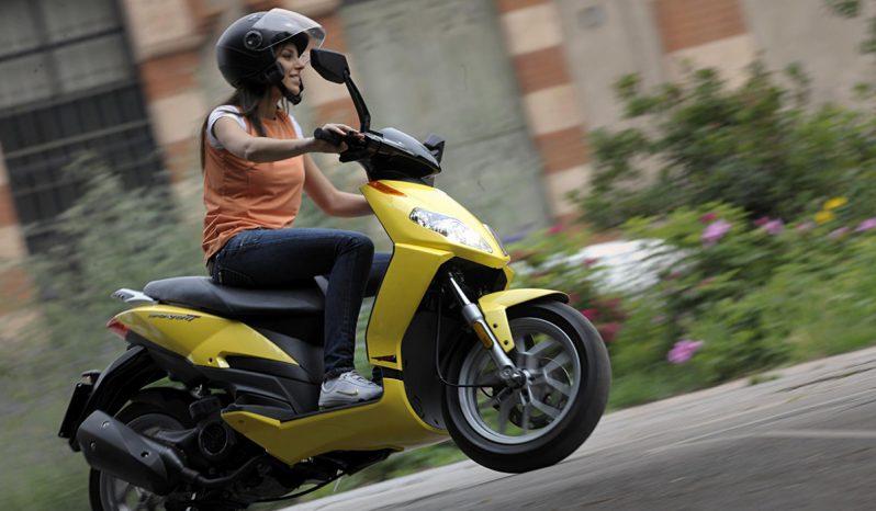 Aprilla Sportcity 125cc full